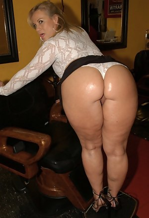 Mature Big Ass Porn Pictures